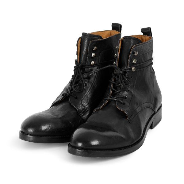 Mens Yew Leather Black Boot Three Quarter