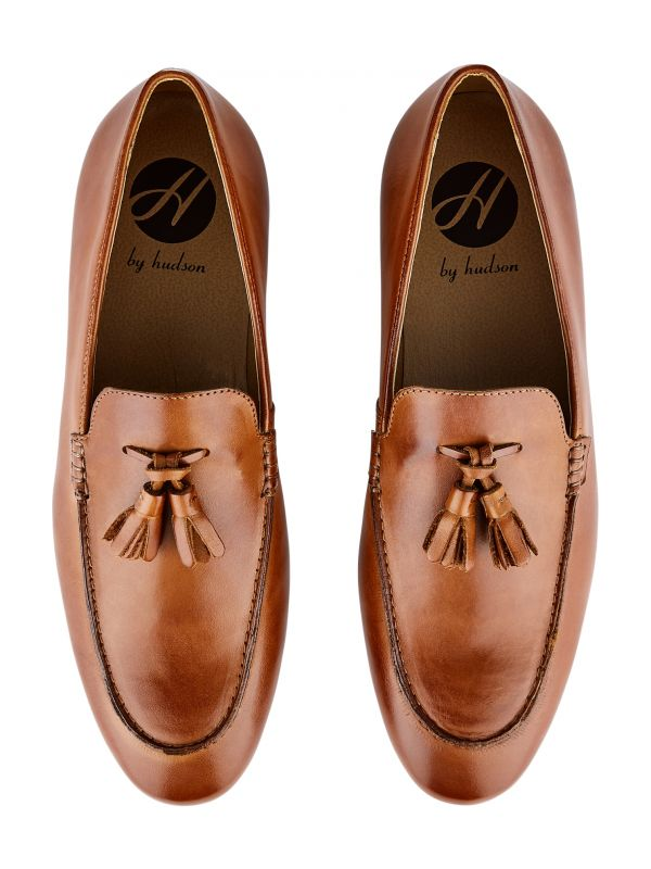 Mens Bolton Tassle Tan Loafer Top Angle