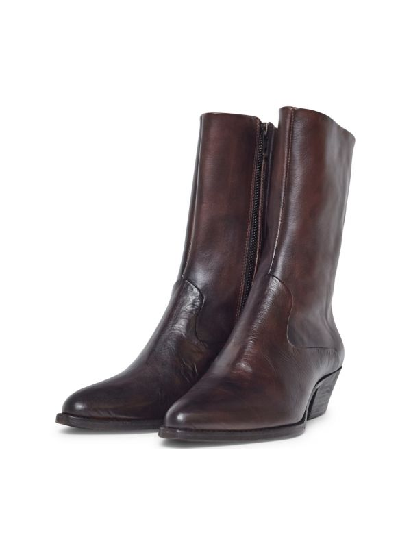 Womens Cary Brown Boot Three quarter