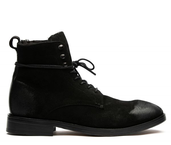 Yew Suede Black Boot